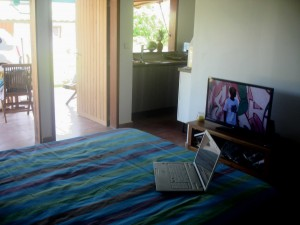 Holiday rental in Guadeloupe, bedroom kitchenette, bar and terrace